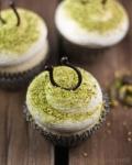 lucky-vanilla-cupcakes-sprinklebakes